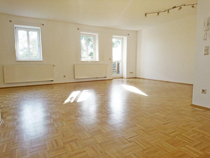 2 ZKB Wohnung mit Balkon, Stellplatz und Kellerraum in Gimmeldingen